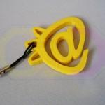 wydruk 3D - breloczek logo firmy